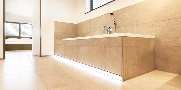 mq15-barrierefrei-bad-licht-modern-architekur-marquardt-dillingen-01-03